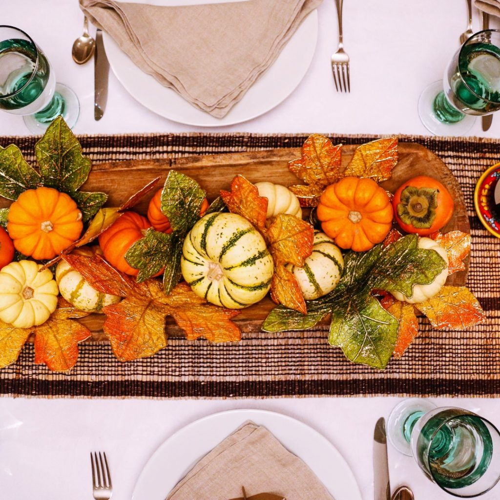 A Thanksgiving tablescape can make a big impact on guests-- but if decor isn't your thing, don't worry about it!